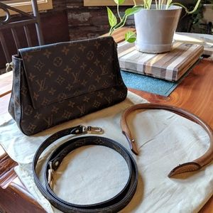 Louis Vuitton Mini Looping PM with crossbody strap
